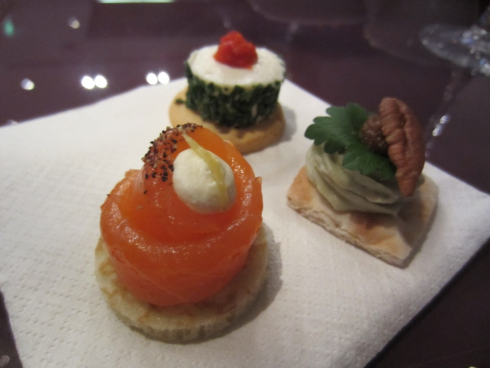 Momentus Champagne Bar - Canapes