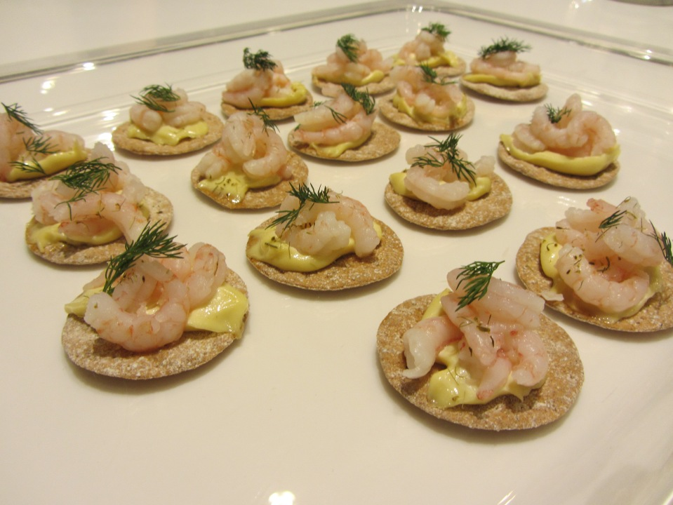 Norwegian cold-water prawn crisps with cucumber pickle, lemon mayonnaise and dill