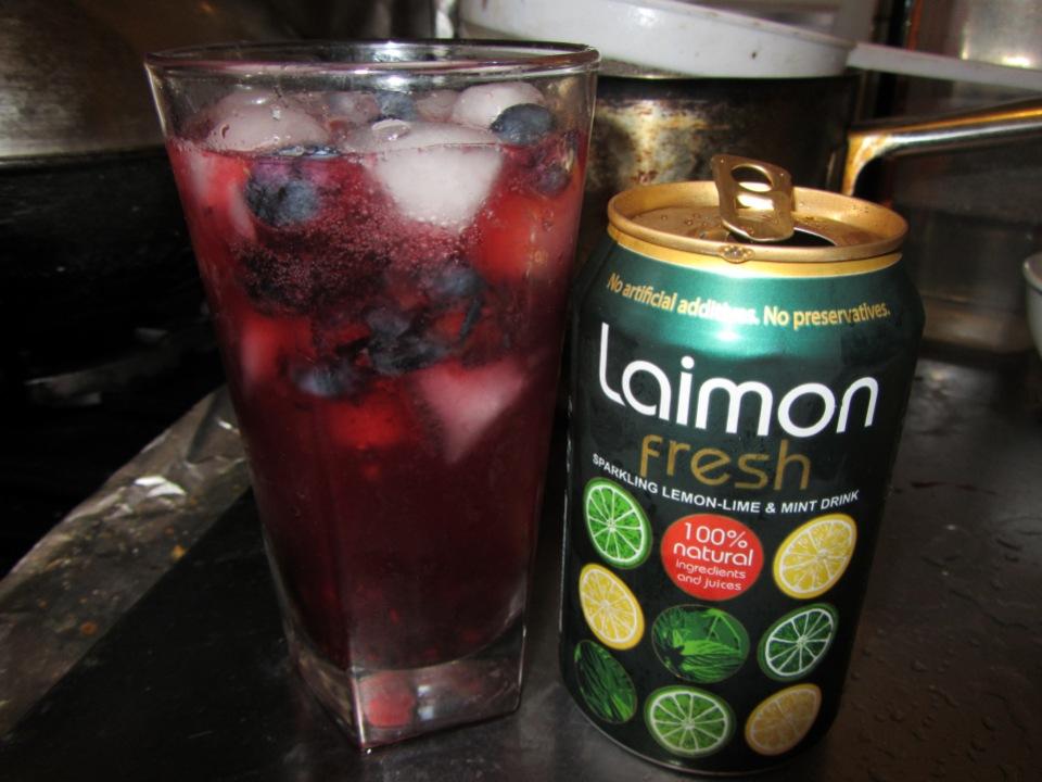 berry blast laimon fresh cocktail