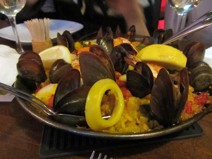 Lovely honest food and fantastic Paella   La Mancha